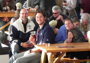 2013_10_Pilgrim, Jeff_alumni event_Sunday Slices_Jeff at table with alumni