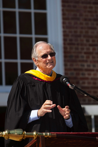 Alan Alda at 2011 Graduation