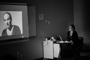 Tanja Hollander presents in an AP English class. Photo by Jo Chattman